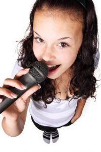girl-doing-voice-exercises